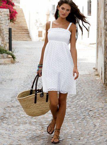 Как носить вязаное платье?