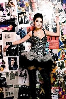 Алёна Винницкая: \Мое кредо в одежде и стиле – легкая небрежность, что естественно близко к рок направлению, глэму, панку\