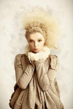 Арина Домски: \Я никогда не буду носить глубокое декольте и мини одновременно\