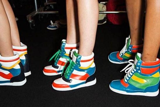 Обувь \Сникерсы\   что, как и почём?